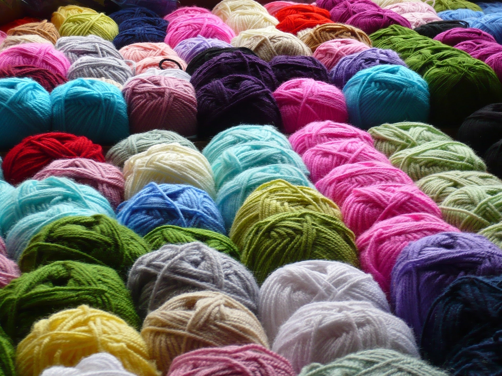Various colors of yarn