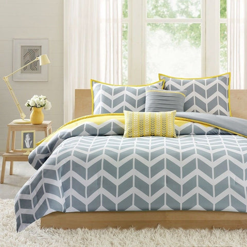 Image of Full/Queen 5-Piece Chevron Stripes Comforter Set in Gray White Yellow