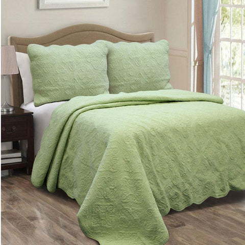 Image of Full Queen Green Cotton Quilt Bedspread with Scalloped Borders