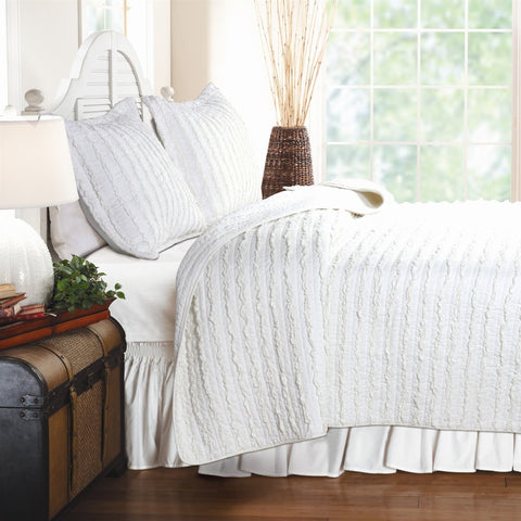Image of King size 3-Piece Quilt Set with 2 Pillow Shams 100% Cotton White Ruffles