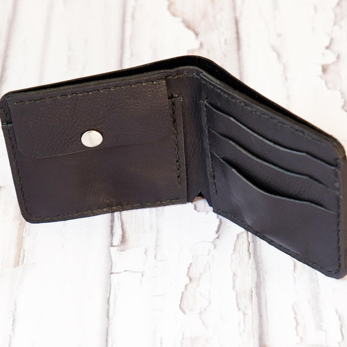 Bi Fold wallet black inside