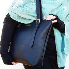 Load image into Gallery viewer, Classic Black Leather Shopper Bag