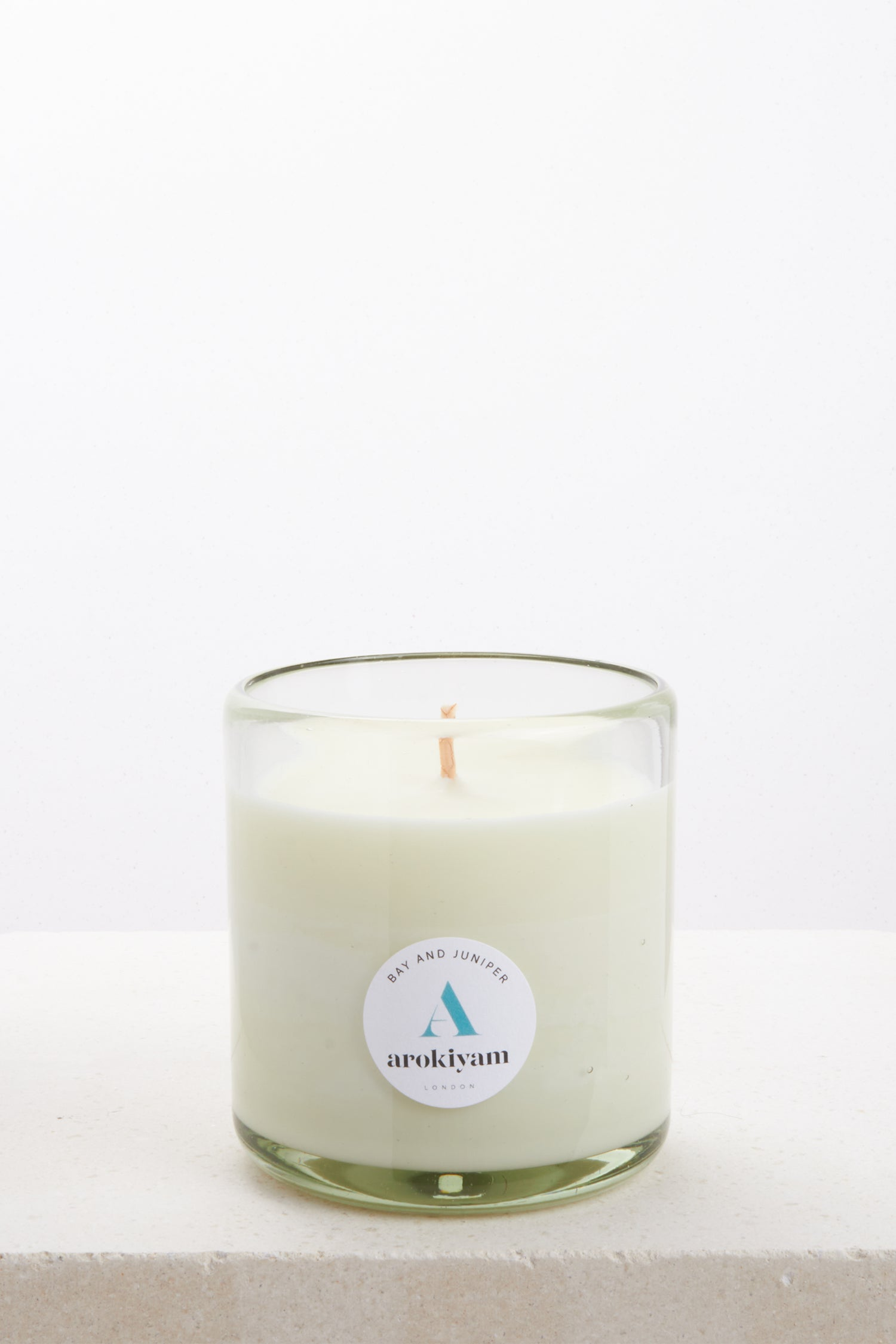 Vegan candle made from a coconut and soy wax and scented with natural bay and juniper. Made in London.