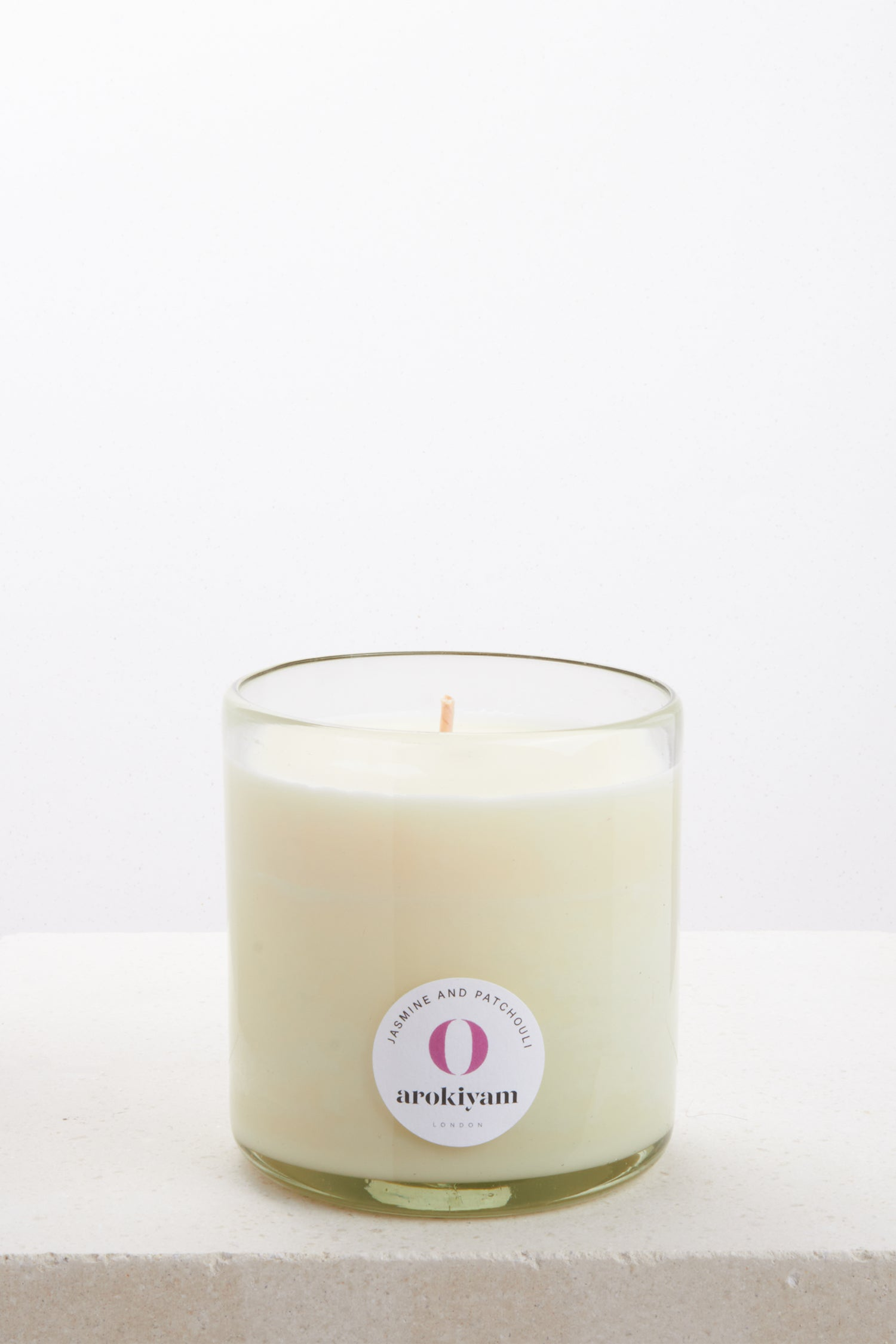 Vegan candle made from a coconut and soy wax and scented with natural jasmine and patchouli. Made in London.