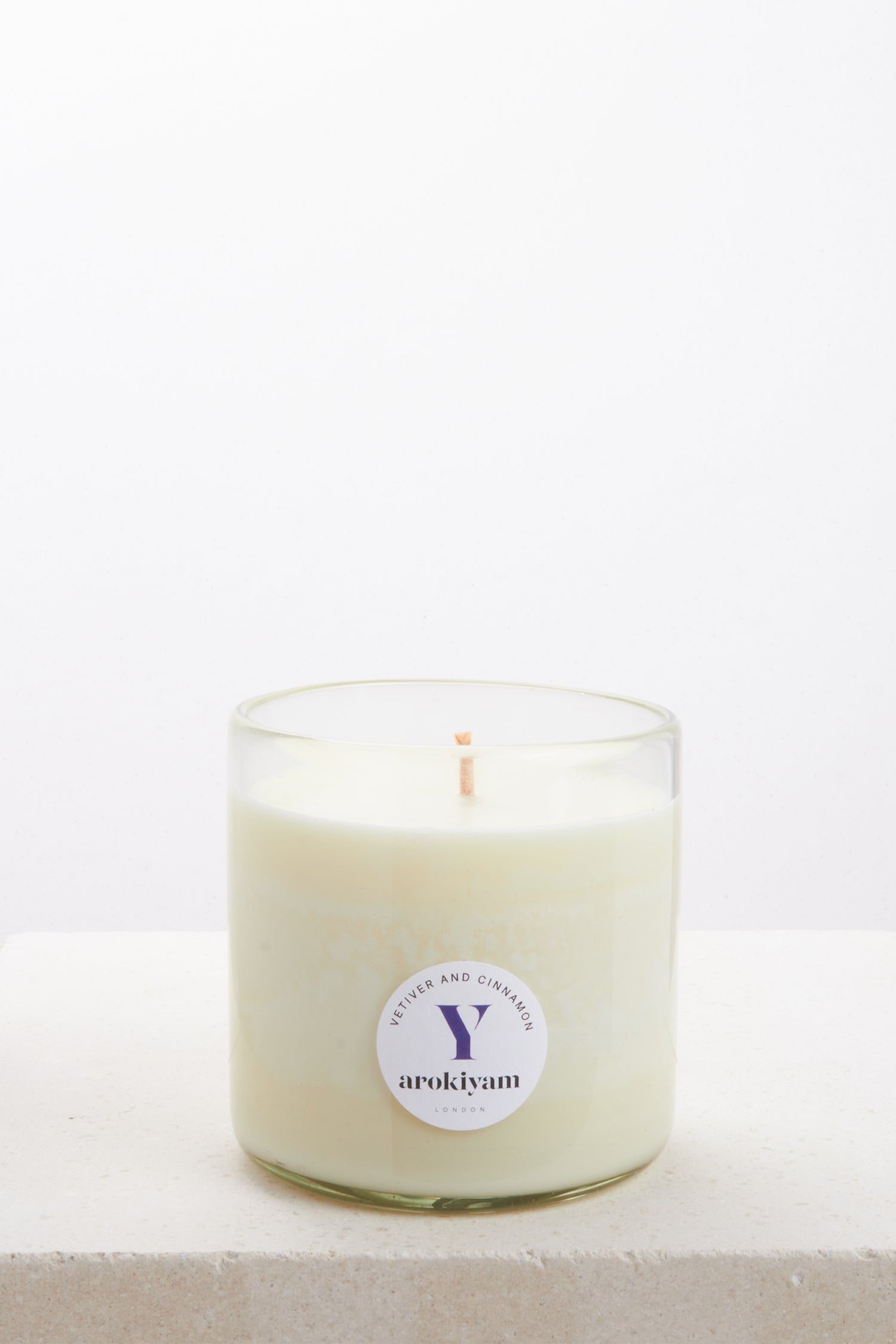 Vegan candle made from a coconut and soy wax and scented with natural vetiver and cinnamon. Made in London.
