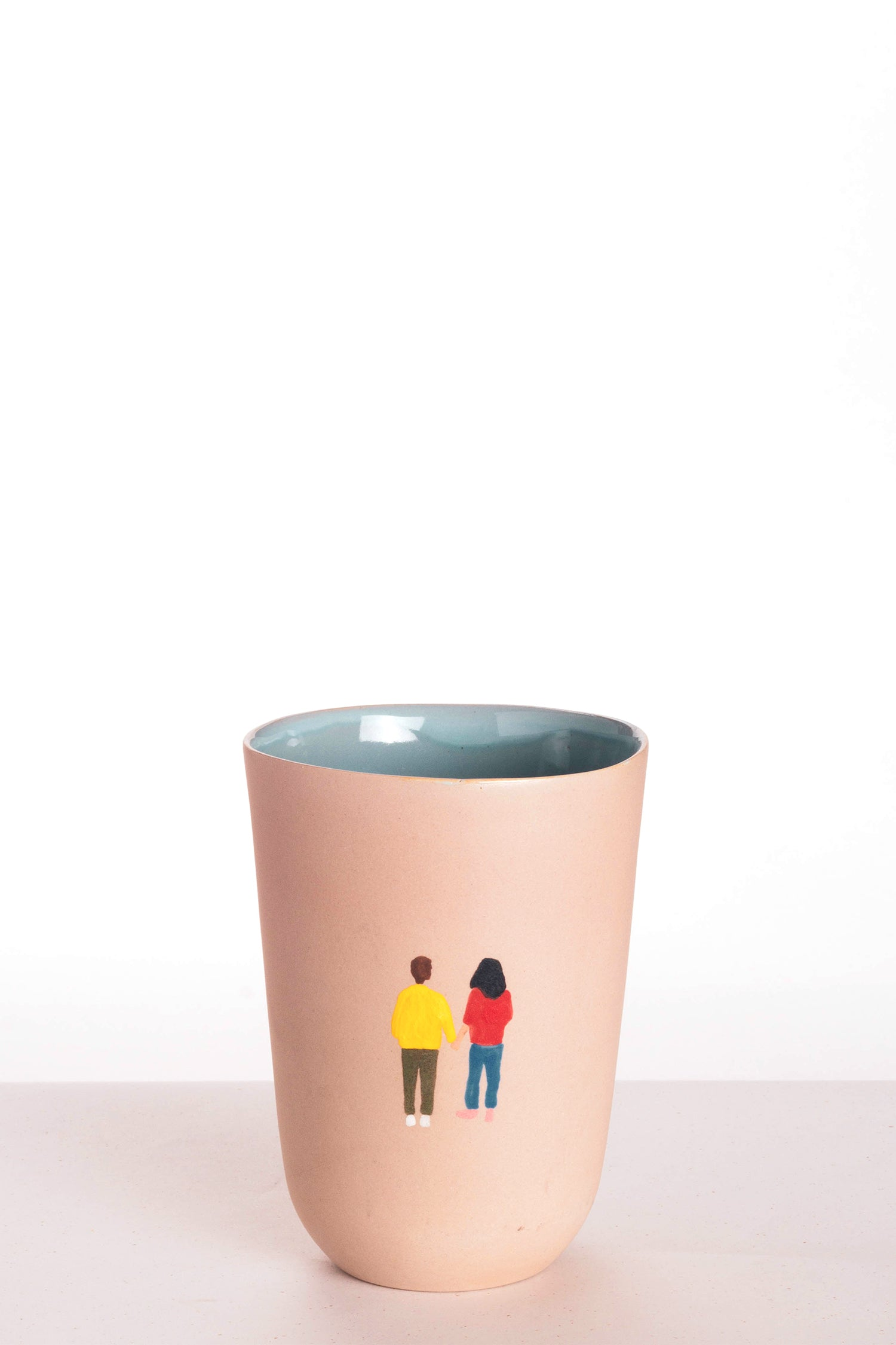 HIGH CUP - PINK - holding hands
