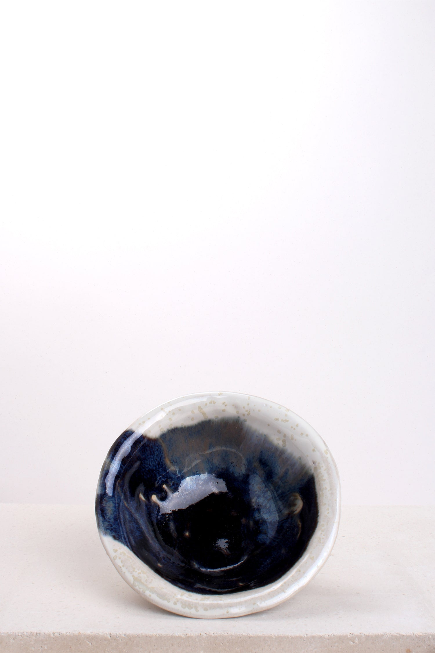 STAMPED BOWLS - WHITE SANDSTONE/ BLUE BLACK