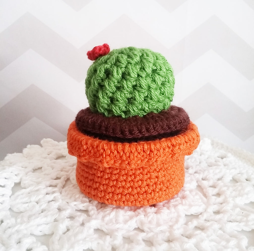 Free Crochet Pattern: Cactus Trinket Box