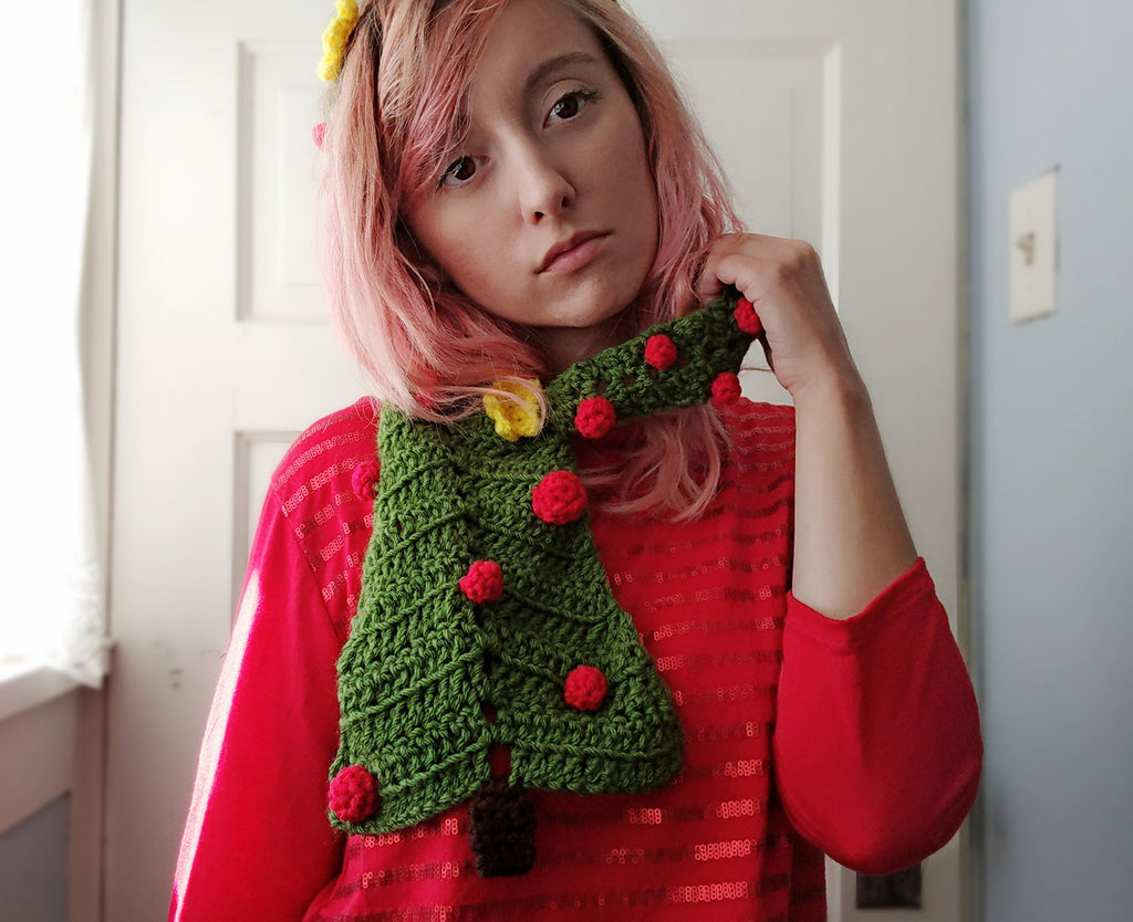 New crochet pattern: 2for1 Christmas tree scarf & headband