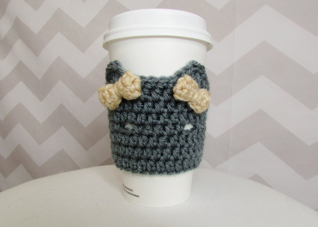 Free crochet pattern: kitty coffee sleeve