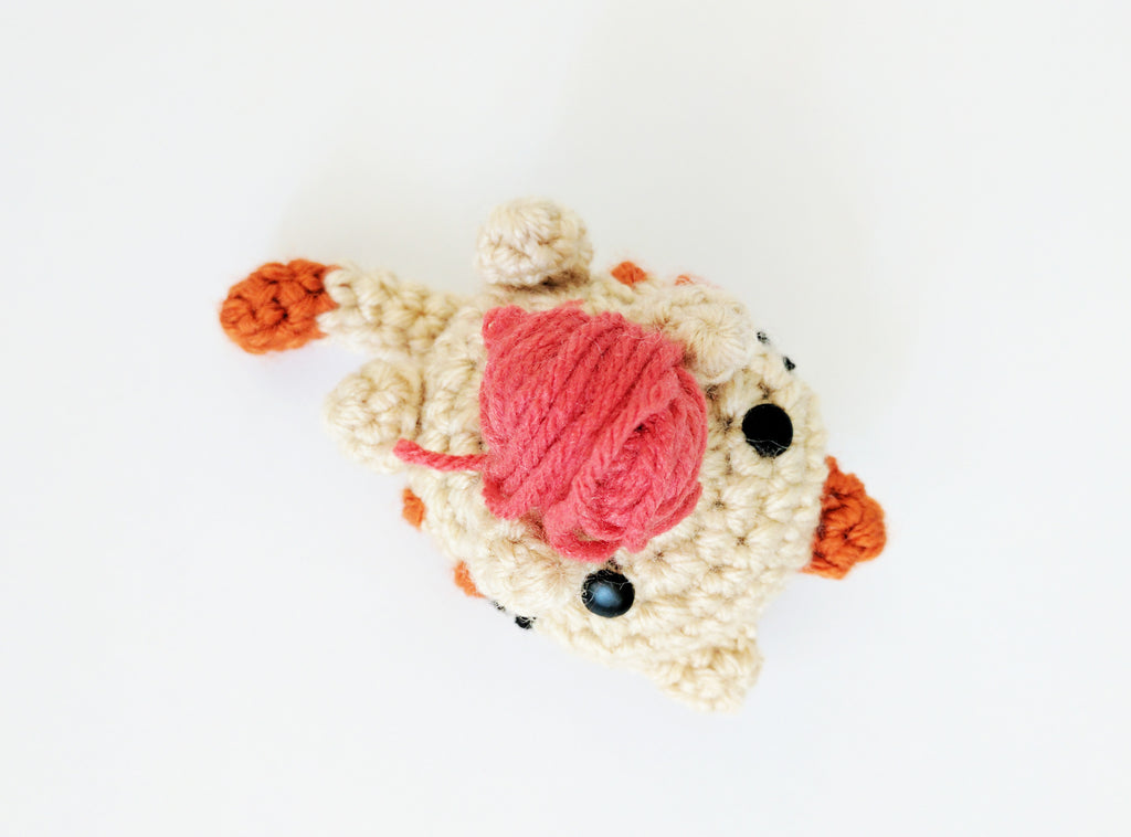 Free crochet pattern: Lazy kitty amigurumi