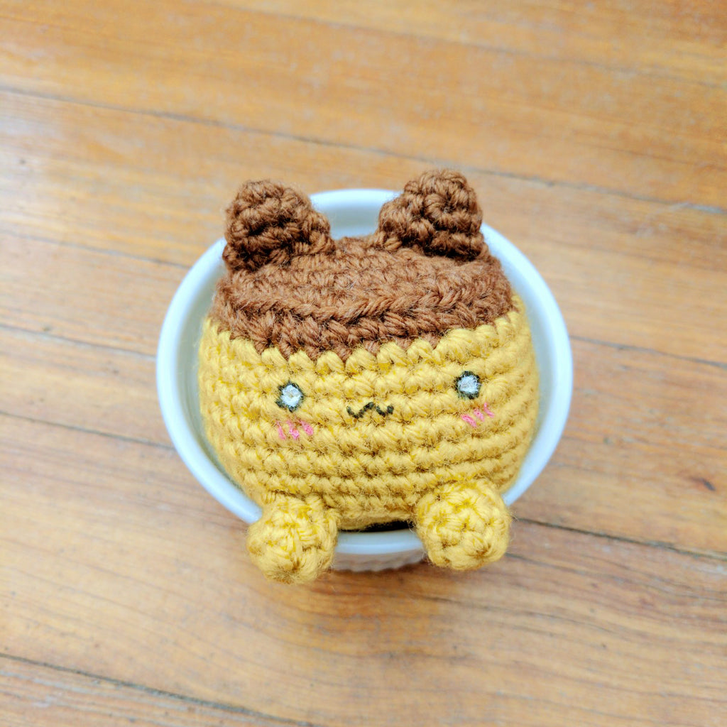 Free crochet pattern: Flan Cat