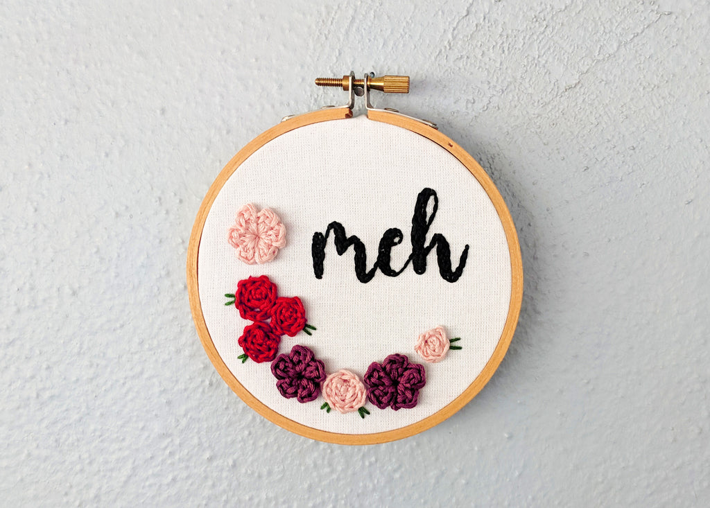 Free crochet pattern/embroidery tutorial - flower meh hoop