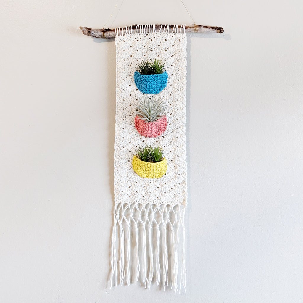 Crochet Pattern: Hanging Air Planter (with pockets!)
