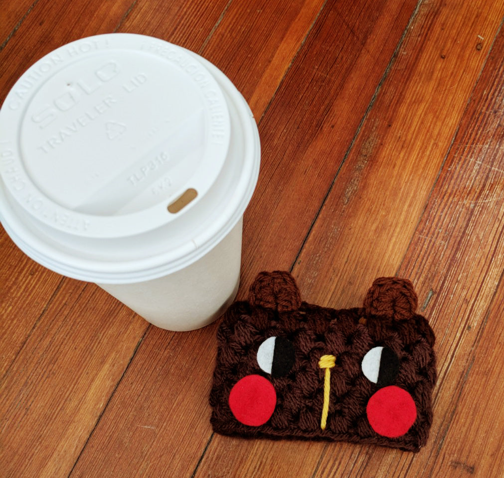 Free crochet pattern: bear coffee sleeve