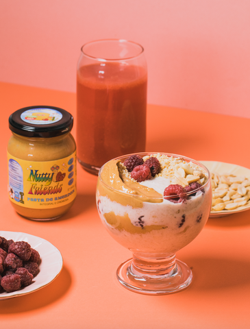 Overnight oats com Nutty Friends e banana da Helena Mazza