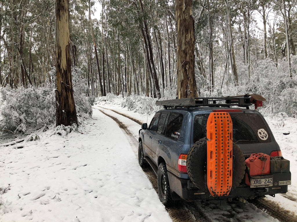 4x4 in snow with MaxTrax