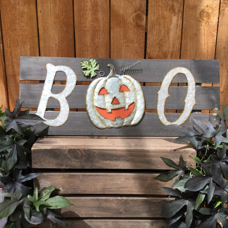 "Wooden slat wall hanging ""Boo"""