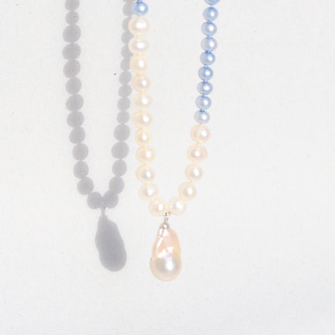 Dusk Pearls necklace