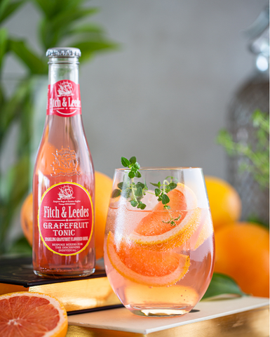 Gin, Thyme and Grapefruit Tonic Cocktail