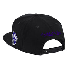 Load image into Gallery viewer, Mitchell&Ness - Found Script Snapback - Black