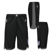 Load image into Gallery viewer, Youth Nike STM Swingman Shorts - Black