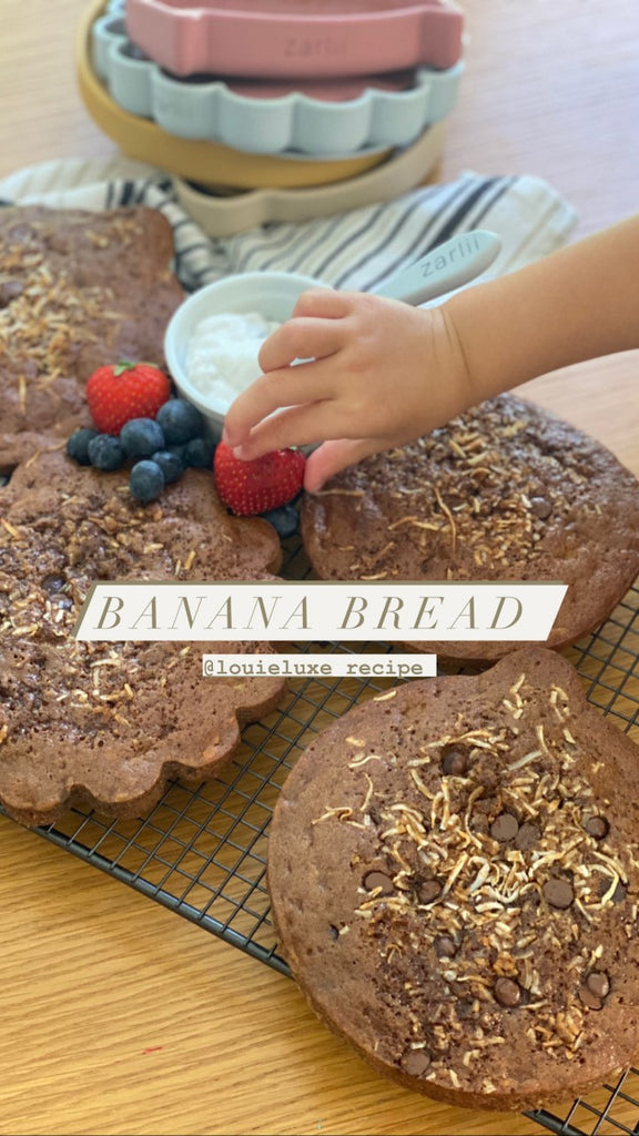 THE MOST SCRUMPTIOUS BANANA BREAD