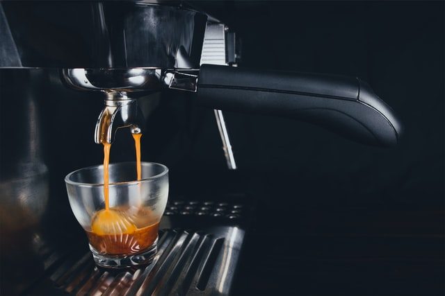 espresso shot from slayer espresso vs. synesso machines
