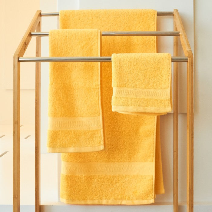 JEAN PERRY HOLLYWOOD TOWEL SERIES - Daffodil