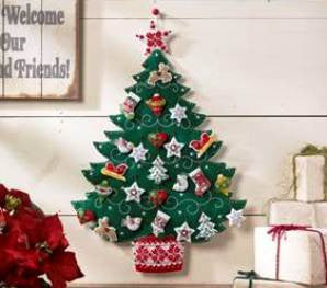 86584 BUCILLA FELT APPLIQUE HOME DECOR-NORDIC TREE KIT