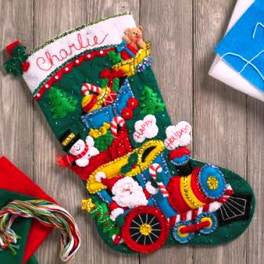"86708 BUCILLA FELT APPLIQUE 18"" CHRISTMAS STOCKING-CHOO CHOO SANTA"