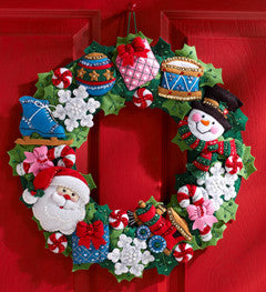 86363 BUCILLA FELT APPLIQUE CHRISTMAS HOME DECOR-CHRISTMAS TOYS WREATH