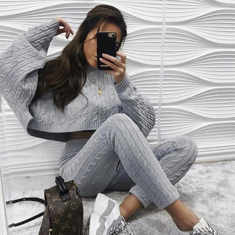 two piece set grey sweater crop top and pants