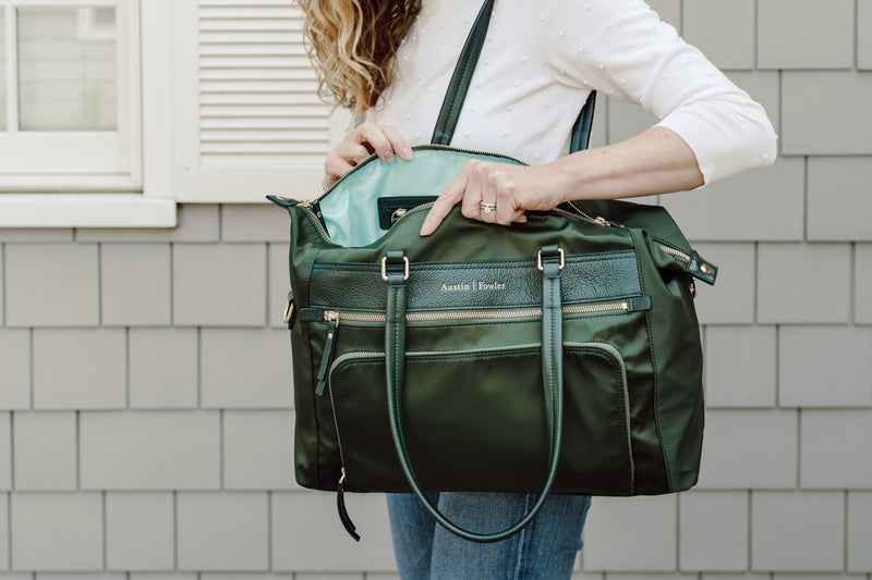 the briggs bag in hunter green