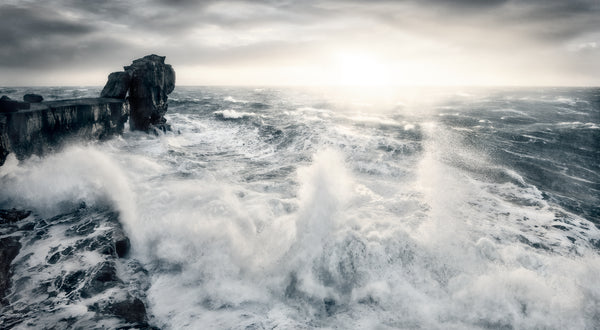 PULPIT ROCK IN A GALE