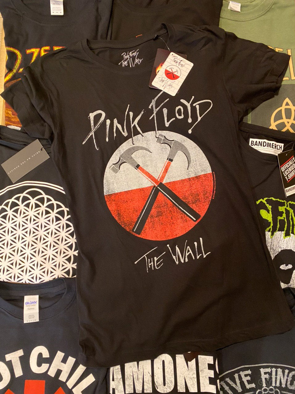 PINK FLOYD UNISEX TEE: THE WALL HAMMERS LOGO