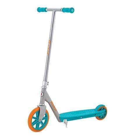 Razor Berry Deluxe Scooter