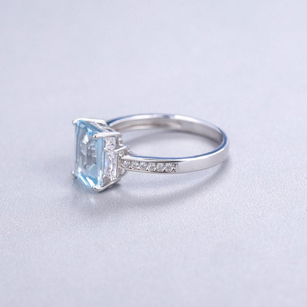 Sterling Silver 2.94 Ct Rectangle Topaz Ring for Woman