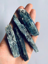 Load image into Gallery viewer, Natural Blue Kyanite - Large