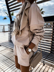 Simple And Comfortable Long-Sleeved Top And Shorts Suit
