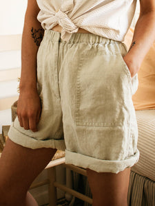 Pure Color Elastic Waist Curled Side Casual Shorts