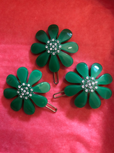 Load image into Gallery viewer, Green flower hair clip