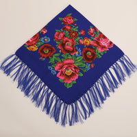 Woolen scarf with red flowers