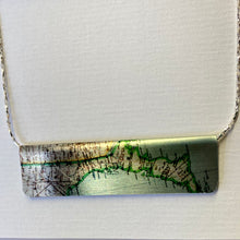 Load image into Gallery viewer, G Reversible Bar Necklace Silver