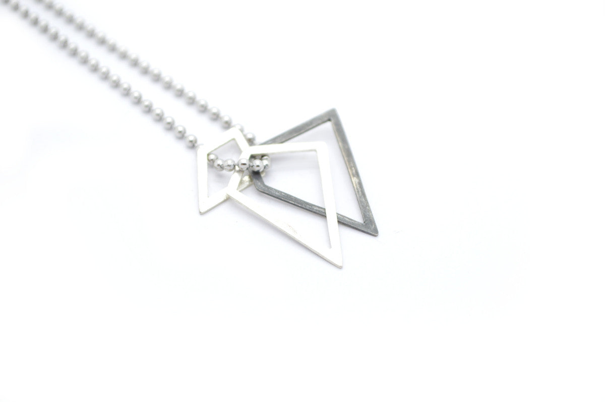 Geometrische bolletjesketting