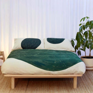 Olive Eclipse Duvet cover on Natural Linen
