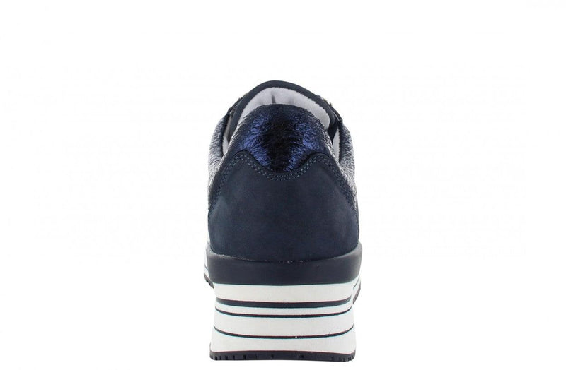 Marike 34-c dark blue nubuck basic + D-rings - white/dark blue sole