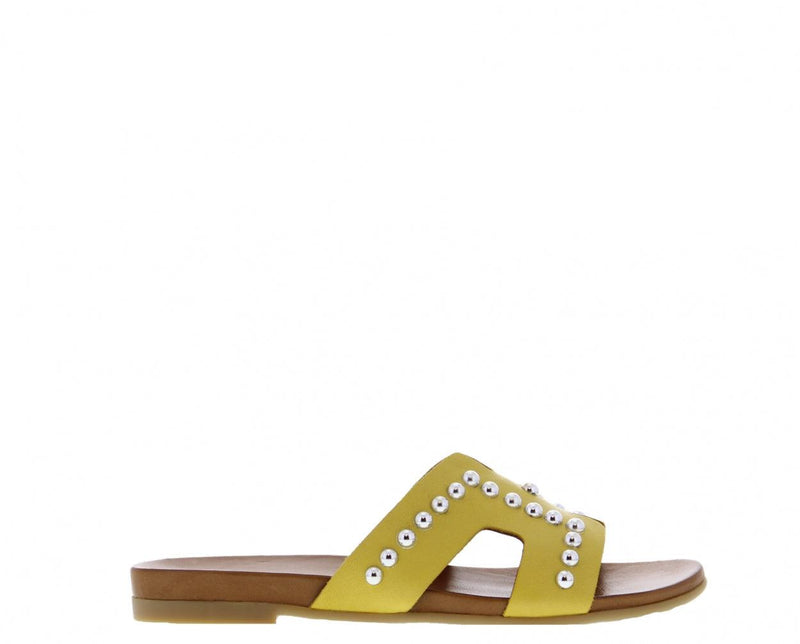 Mila 5-d yellow leather slipper/silver studs - cognac sole