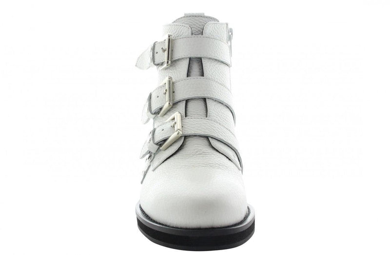 Pleun fat 52-e white  leather/studs straps - black sole
