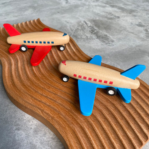 Wooden Plane with Pull Back Mechanism